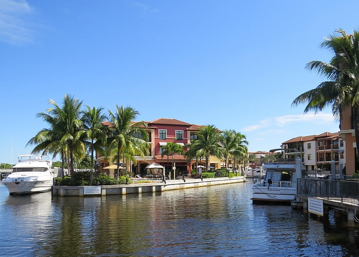 Naples Bay – Bonefish Grille – & Pink Shell Cruise